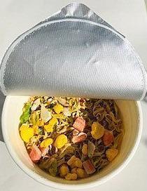 カップ麺蓋開け.jpg